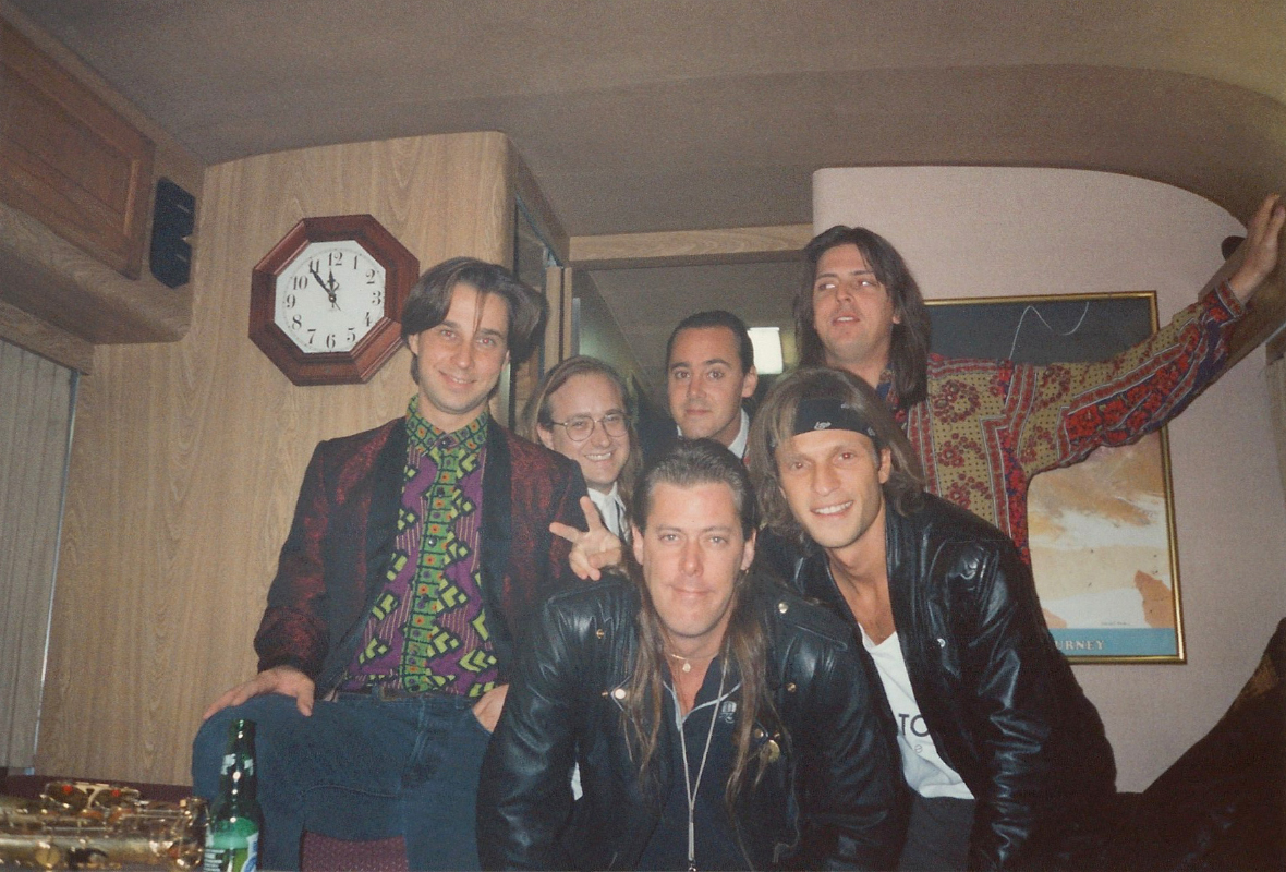 "1991-10-31 The Pikes with Craig ""Fin"" Finley & Ross Nykiforuk on Tour Bus"